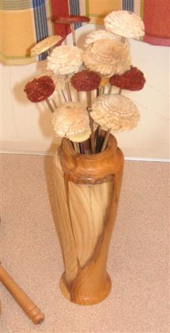 Bernard received a commendd certificate with this vase