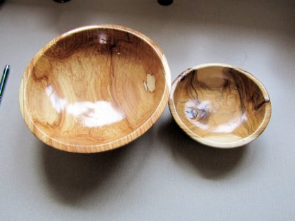 Two bowls by Keith Leonard