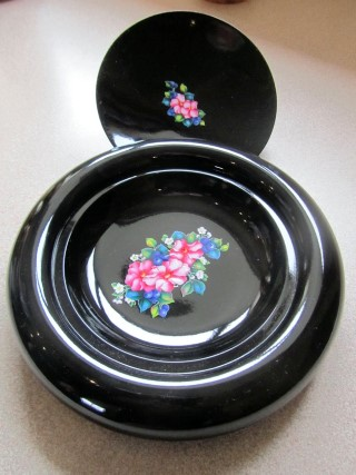 Decorated lidded bowl by David Reed