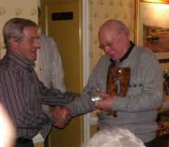 Pat Hughes wins the Memorial Trophy with his burr vase